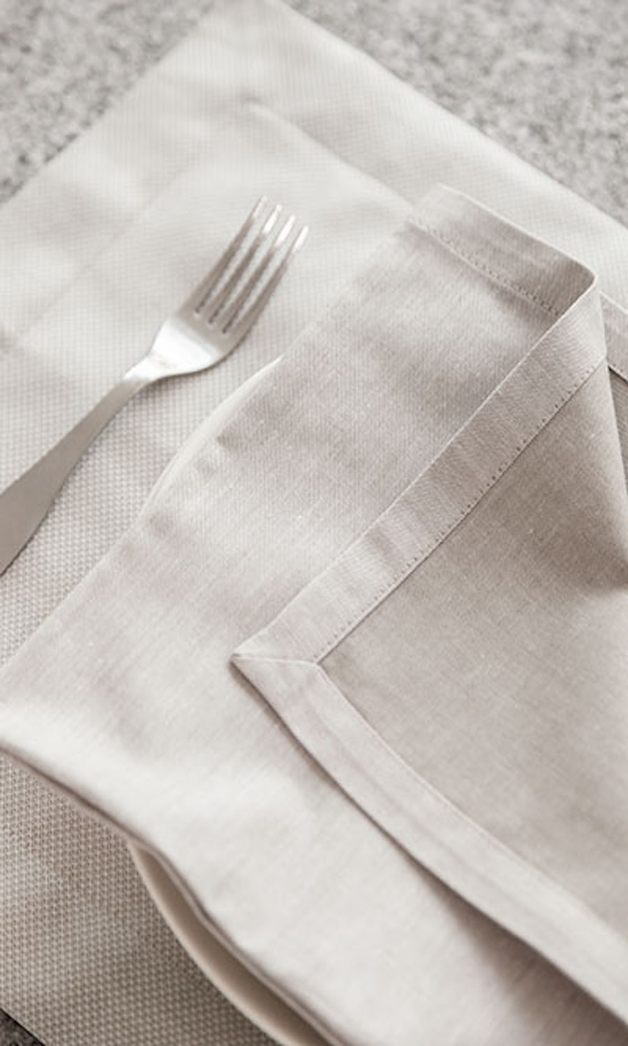 White Plain Custom Dining Table Placemats